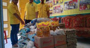 Golkar Anambas Bagikan 100 Paket Sembako ke Warga Kurang Mampu