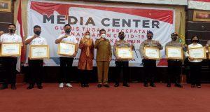 8 Personil Polres Karimun Terima Penghargaan Dari Pemprov Kepri, Berdedikasi Tangani Kekerasan Perempuan Dan Anak