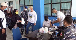 LANAL Ranai Serbu Vaksinasi ABK Di Pelabuhan Tanjung Payung Penagi