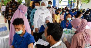 Wagub Marlin Tinjau Vaksinasi Dosis Dua 1700 Karyawan PT Volex