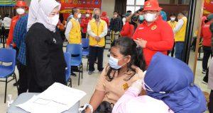 Wagub Kepri Tinjau Vaksinasi Massal Pelajar Di Batam