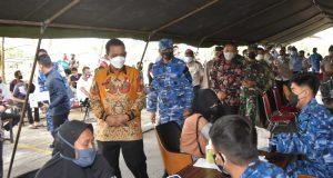 Gubernur Kepri Tinjau Vaksinasi Dosis II Bagi Pelajar di LANUD AU RHF Tanjungpinang